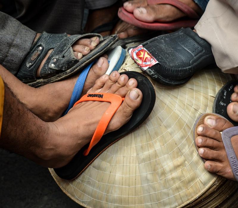 En Camboya hay que descalzarse para entrar en templos y casas privadas