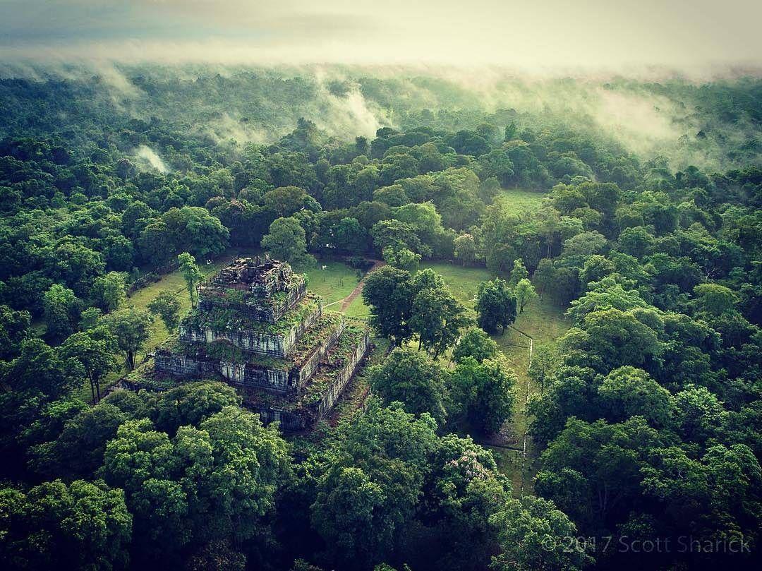 Vista aérea del templo de Prasat Thom, en el parque arqueológico de Angkor de Camboya